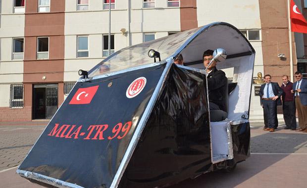 Türk Mucitten USB ile Çalışan Otomobil
